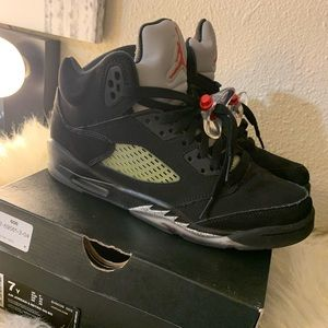 Air Jordan Retro 5 size 7y